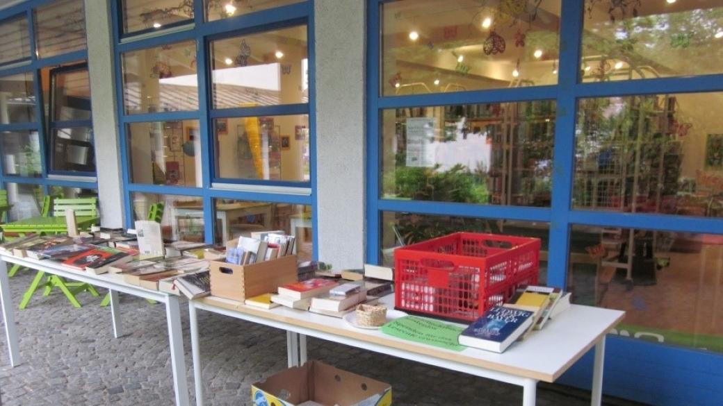 Lesecafé: Bücher-Flohmarkt